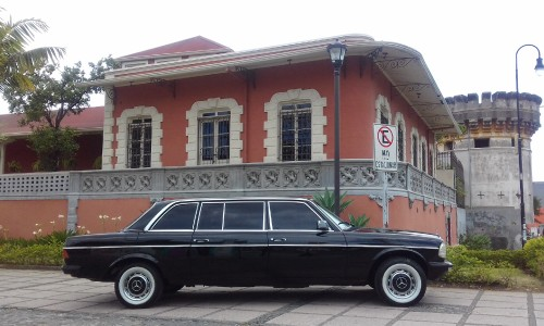 LIMOUSINE-AND-MANSION-NEXT-TO-CASTLE-COSTA-RICA.jpg
