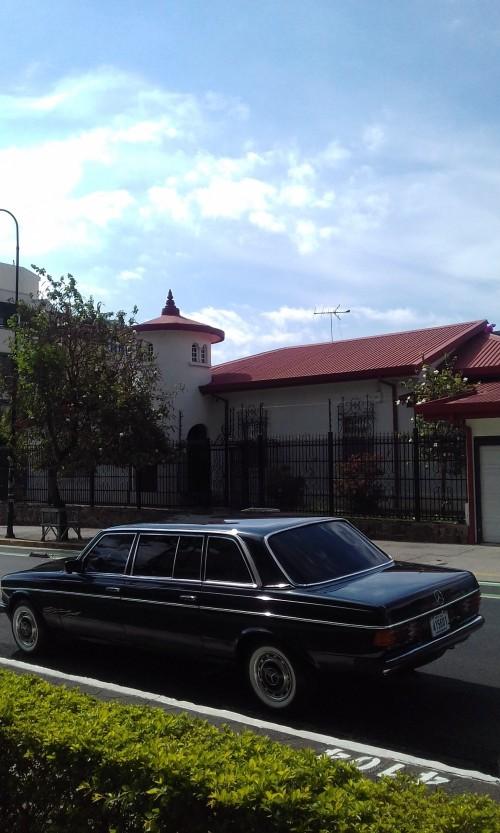 UNIQUE-SAN-JOSE-MANSION-COSTA-RICA-LIMOUSINE.jpg
