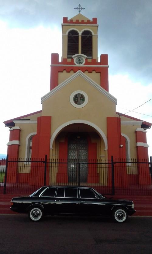 COSTA-RICA-CHURCH.-MERCEDES-LIMOUSINE-SERVICE-FOR-WEDDINGS..jpg