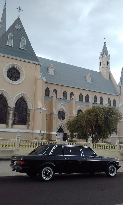 Iglesia-de-San-Rafael-Heredia.-Costa-Rica-Limousine-tours..jpg