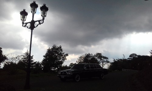 MERCEDES-300D-LIMOUSINE.-COSTA-RICA-DUSK-WITH-CLOUDY-SKIES..jpg