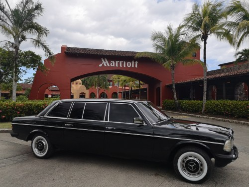 MARRIOTT-LOS-SUENOS-COSTA-RICA.-MERCEDES-W123-300D-TOURS-LIMOUSINE.jpg