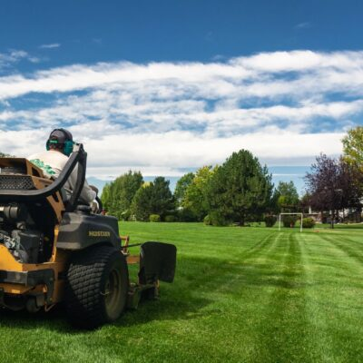 We offer Best commercial landscaping services Houston and commercial lawn services. The result of having an attractive outdoor space will be how your customer.  http://www.imslandscapeservices.com/commercial-landscape-maintenance/